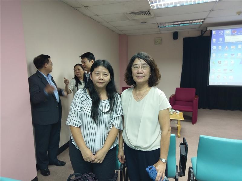 張惠思教授與主講人合影