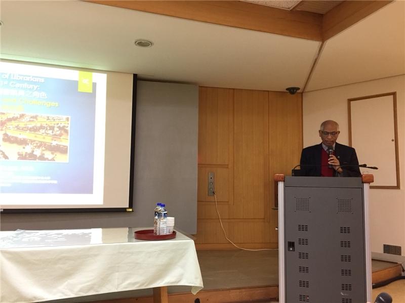 Dr. Ismail Abdullahi探析21世紀圖書館員的角色定位