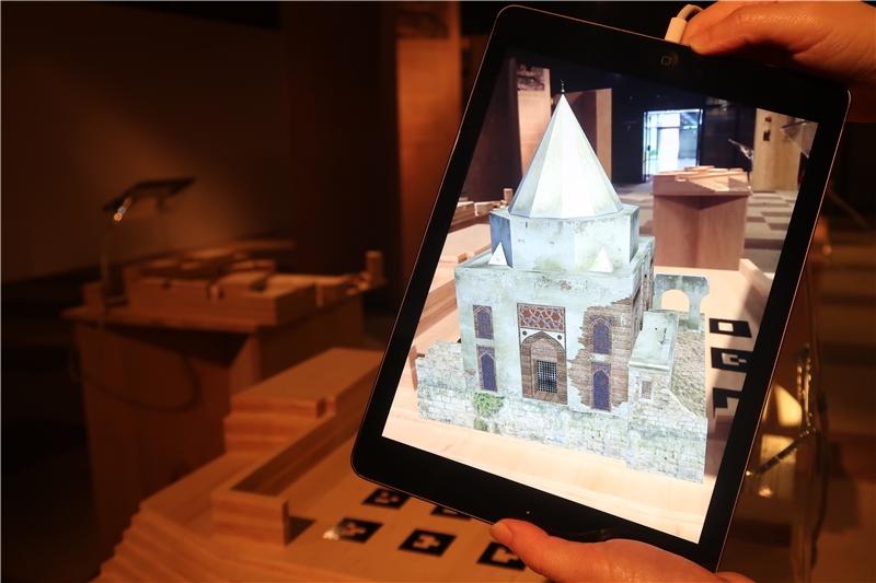 透過AR擴增實境,重現「伊瑪目葉海亞‧伊本‧卡西姆的陵寢」
