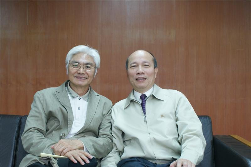 劉仁傑教授(右)、蘇錦夥首席顧問(左),多年好友齊聚國家圖書館