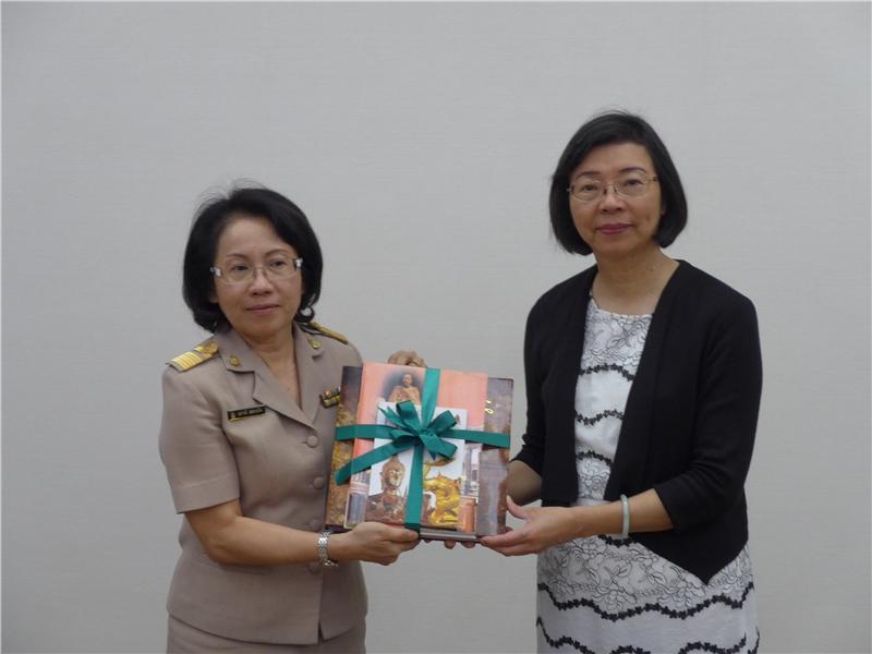 泰國國圖致贈泰國圖書予本館