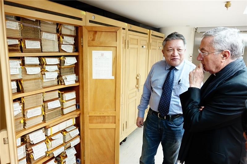 梵蒂岡圖書館及教廷檔案館總館長參觀善本書庫