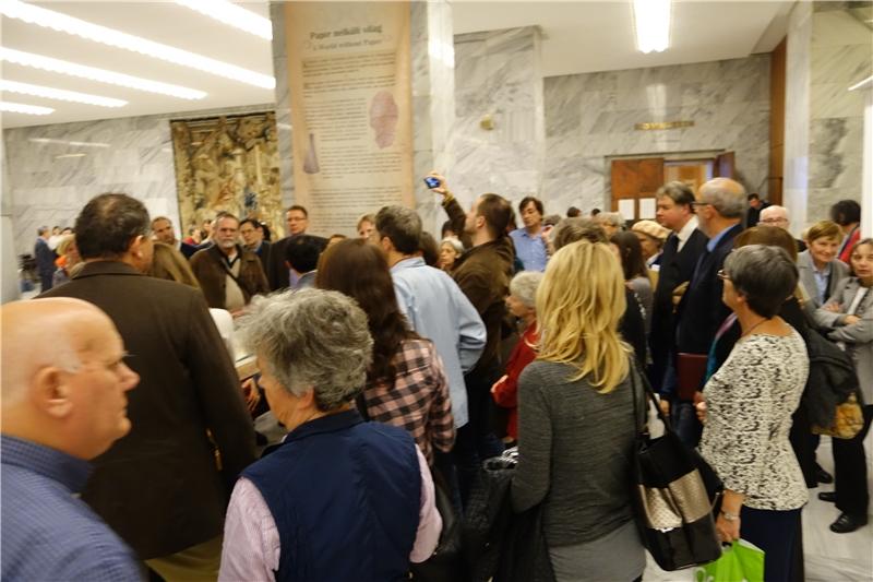 民眾踴躍參觀展覽
