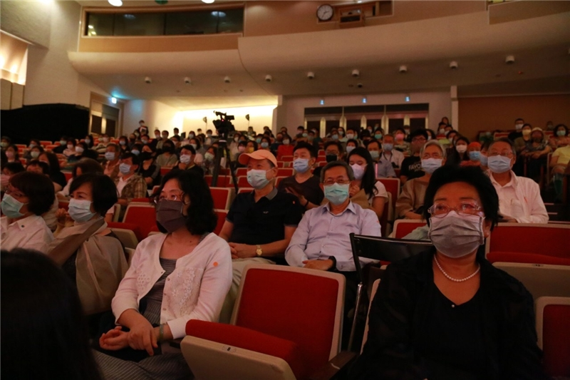 "Over 200 people attend the fifth showing of ""Youlong xifeng"""