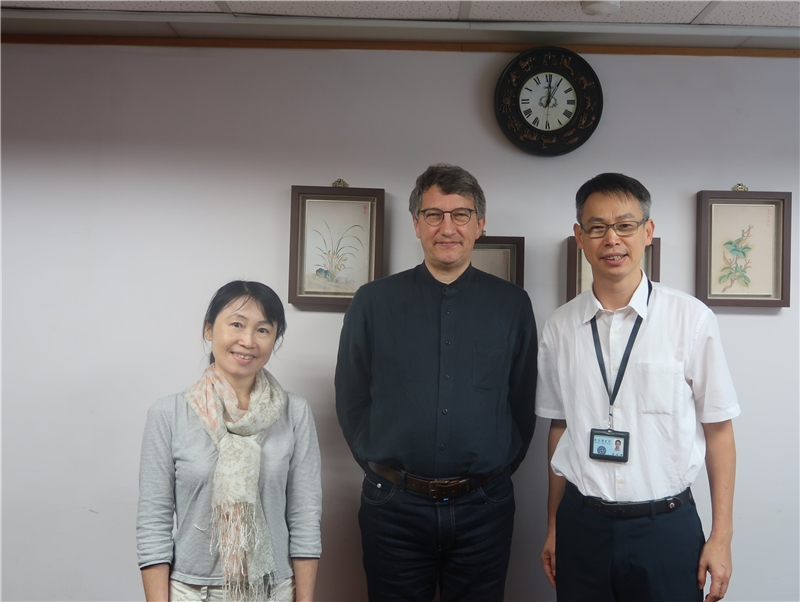 2019.09.20 Mr. Hanno Lecher (middle), Head Librarian at Heidelberg University's East Asian Library visited NCL to discuss possible collaboration