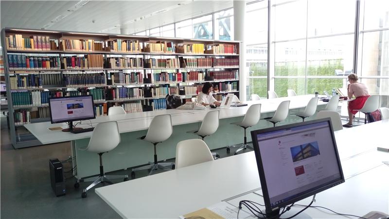 哥本哈根大學人文學院圖書館一隅