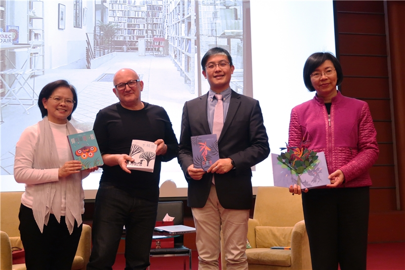 Director-Gernal Tseng (1st from right) poses with UG (2nd from left) and Ms. Wang (1st from left)