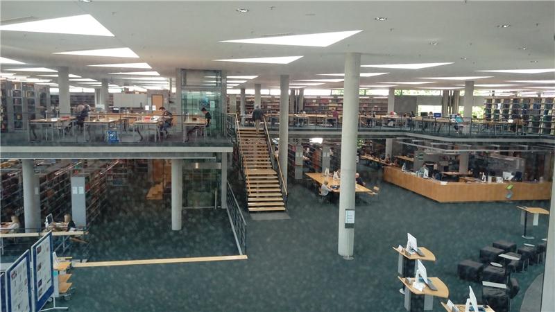 德國國家圖書館法蘭克福館區閱覽室