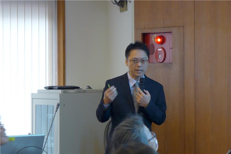 圖4-卓忠宏教授(淡江大學歐洲研究所)