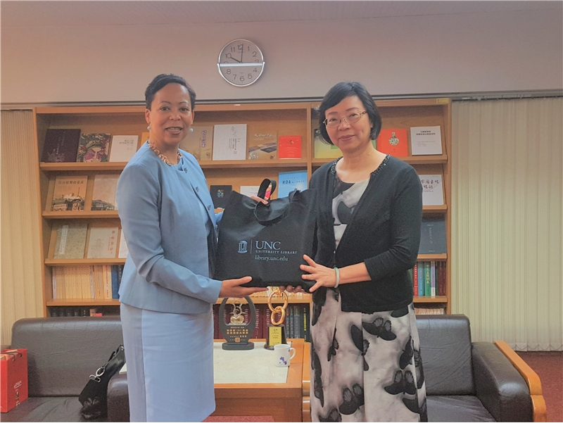2019.07.31 Ms. Elaine L. Westbrooks, Librarian at University of North Carolina Chapel Hill paid a visit to NCL Director-General Tseng