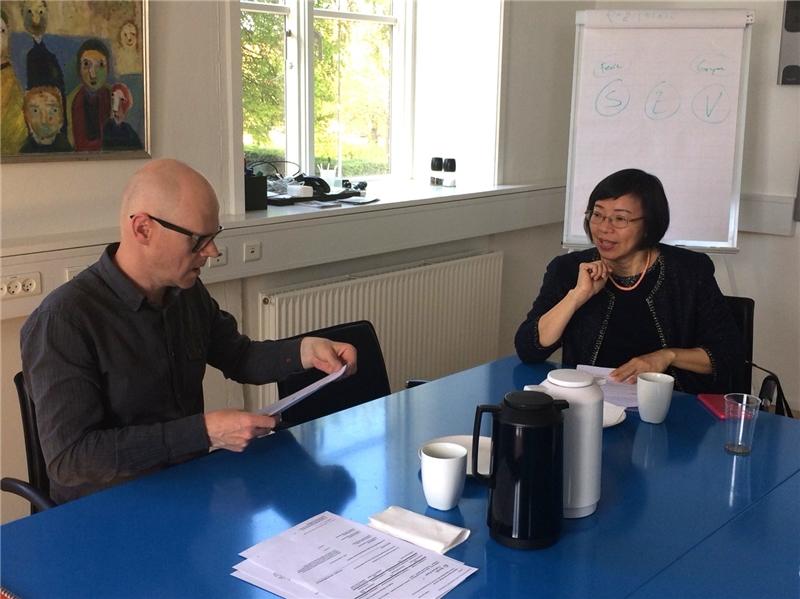 曾館長與Søren Mørk Petersen館長進行交流會談