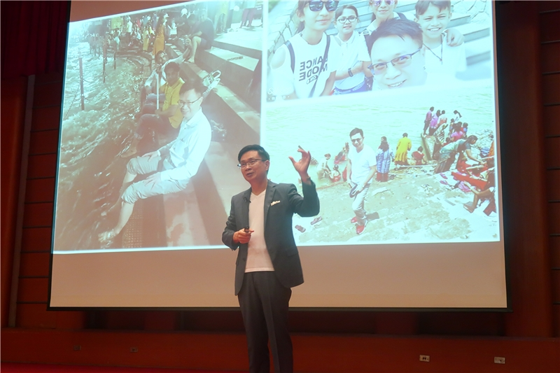 Chair James Huang shared his knowledge of the various layers and facets of India during his lecture.