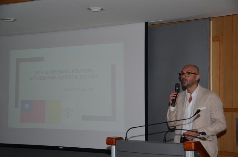 Dr. Stefano Pelaggi