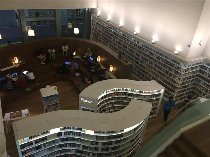 圖13  烏節青少年圖書館
