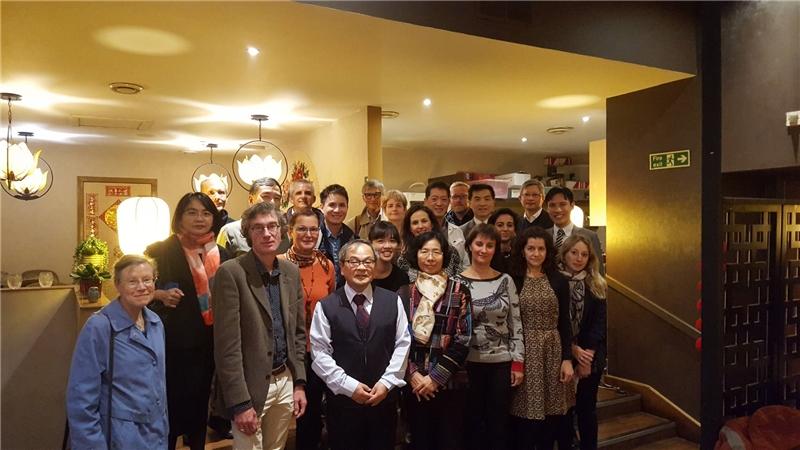 贈書儀式後舉行漢學學友會與漢學中心歷年外籍學人聯誼