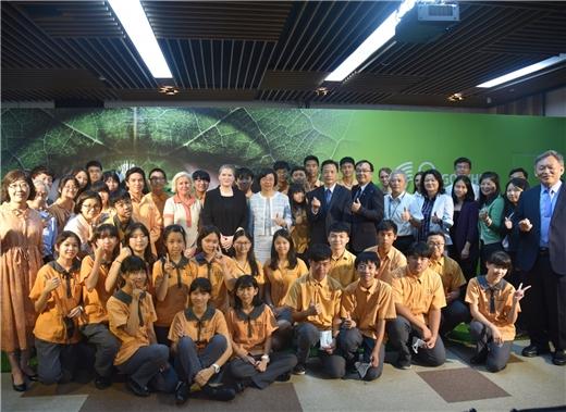 歌德學院全球巡迴展【重新思考-向大自然學習】於2021年抵臺,4月30日下午在國家圖書館隆重開展