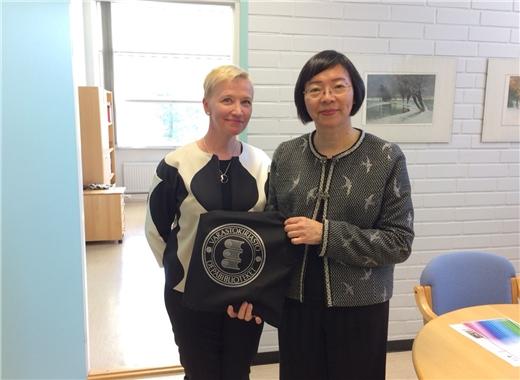 曾館長參訪芬蘭國家典藏圖書館