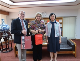 President of the Elling Eide Center in the U.S. visit NCL Director-General Tseng